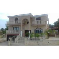 Spacious 3 bed plus villa in Timi